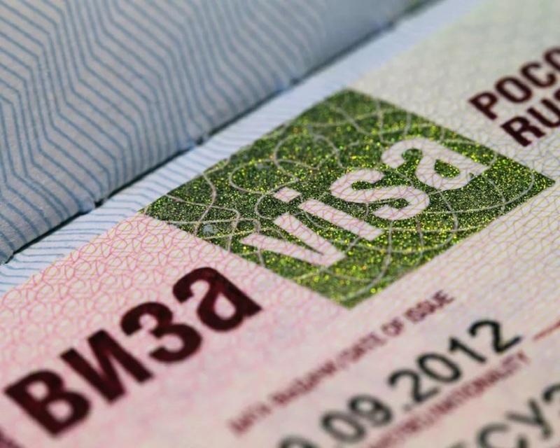 Иностранцу станет проще получить визу для работы на Дальнем Востоке