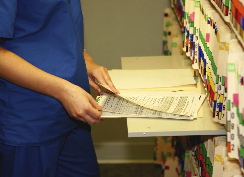 Больничные карты стопка