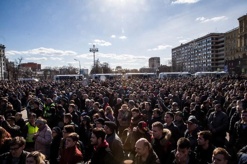 Силовикам позволят замораживать счета организаторов незаконных митингов