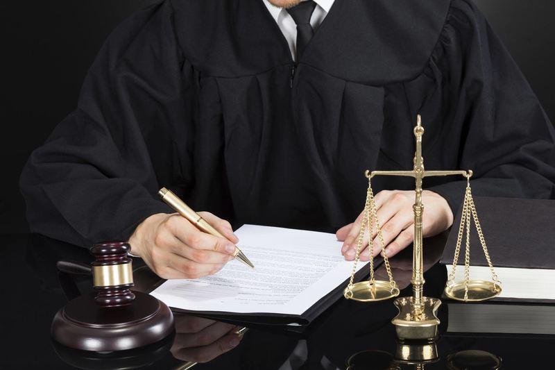 судебное решение адвокат