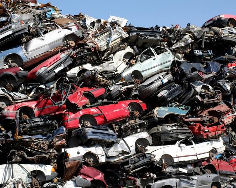 Временно ввозимые на территорию РФ машины облагать утилизационным сбором нельзя