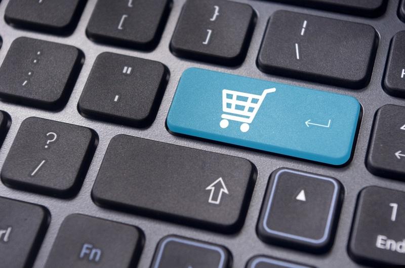 Алкоголь и лекарства разрешат продавать через интернет в 2020 году