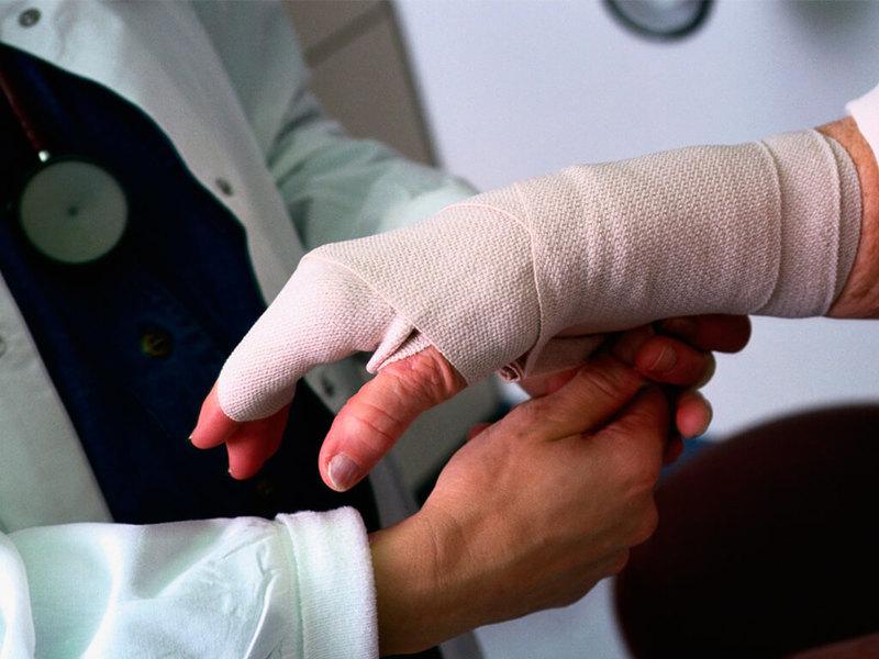 Работодатель имеет право наказать травмировавшегося на производстве работника