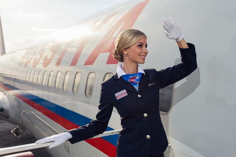 Как стать стюардессой: где учиться, что нужно уметь, сколько получает бортпроводница