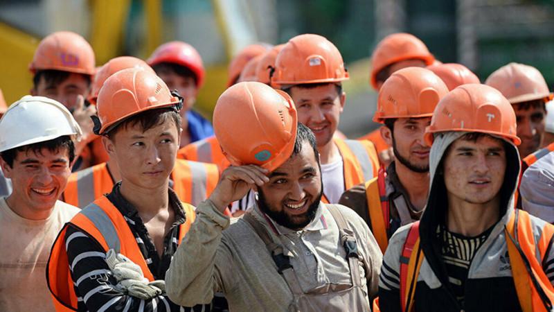 Работодатели и профсоюзы одобрили квоты на трудоустройство иностранцев