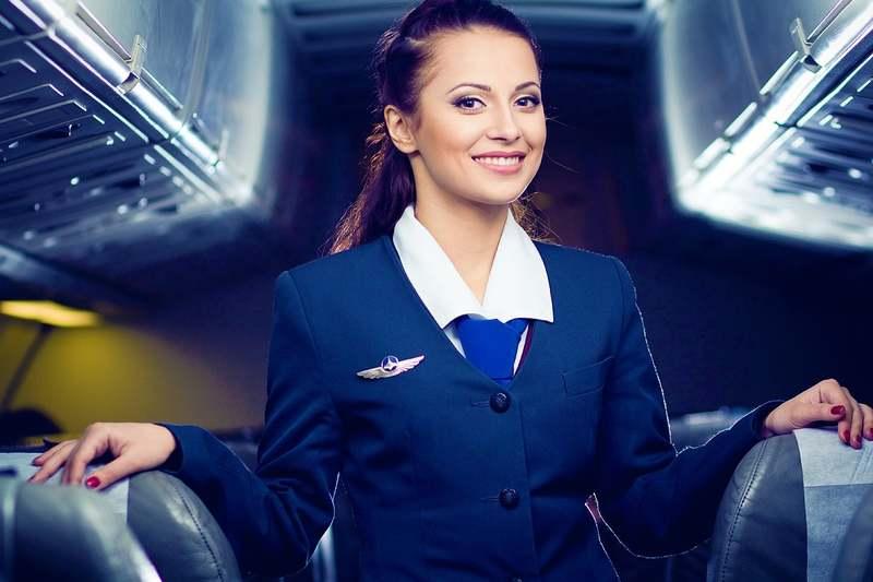 Зарплата стюардессы: сколько получают бортпроводники в России и за рубежом?