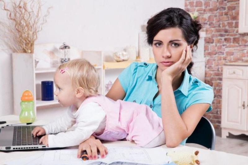 Правила выплаты пособия по уходу за ребёнком станут жёстче